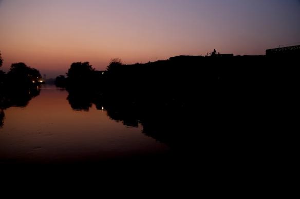 _Slum at Night